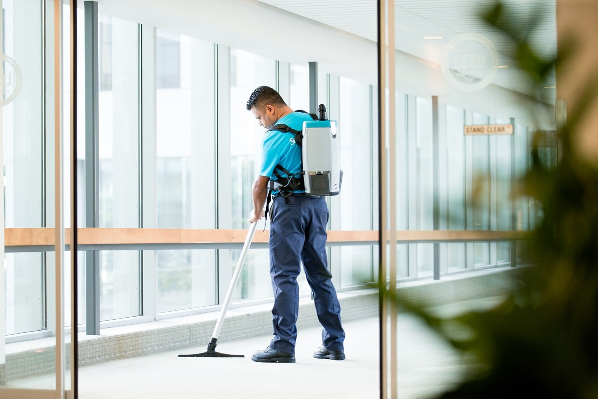5 Reasons Why You Need Professional Commercial Carpet Cleaning Services –  ServiceMaster OneCall